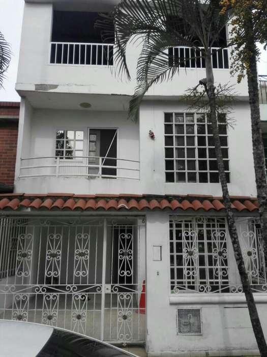 Vendo Casa en El Caney Remodelada