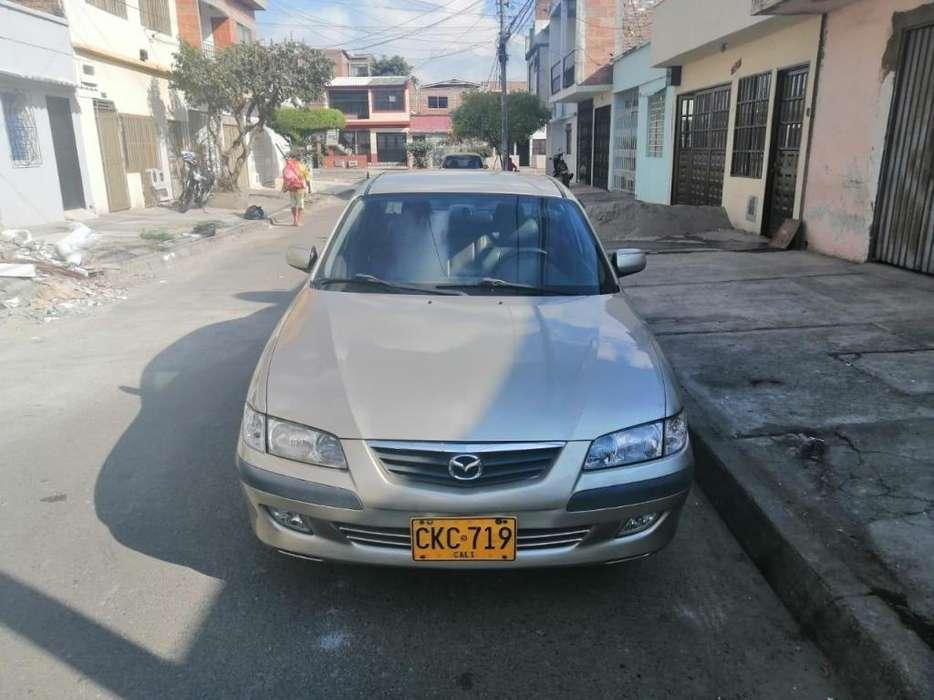 Mazda 626 2002 - 215228 km
