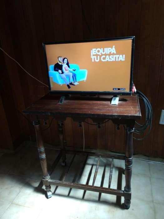 <strong>televisor</strong> Sanyo 24 Pulgadas Y Mesita