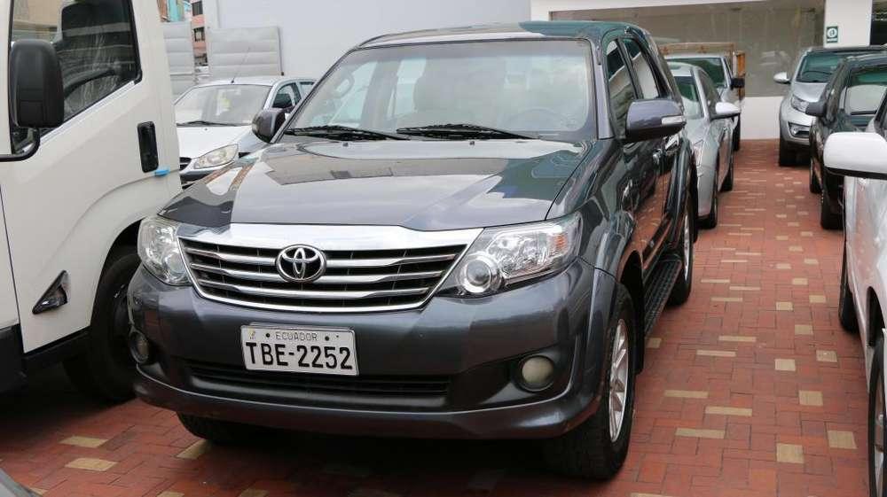 Toyota Fortuner 2014 - 135000 km
