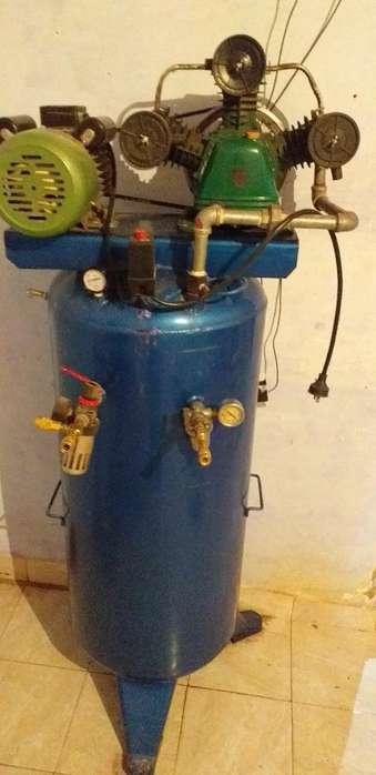 Compresor con Motor a 220 Tres Pistones