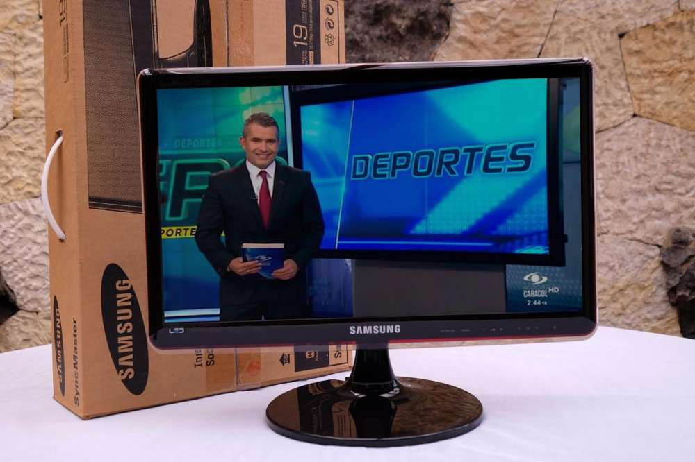 TV Led Samsung 19 pulgadas en caja poco uso