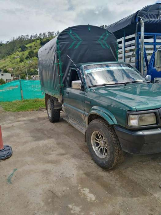 Mazda B-2600 1999 - 40000 km