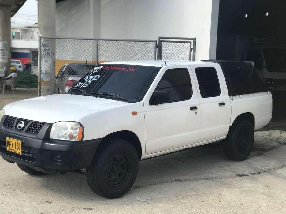 Nissan Frontier 2013 - 250000 km