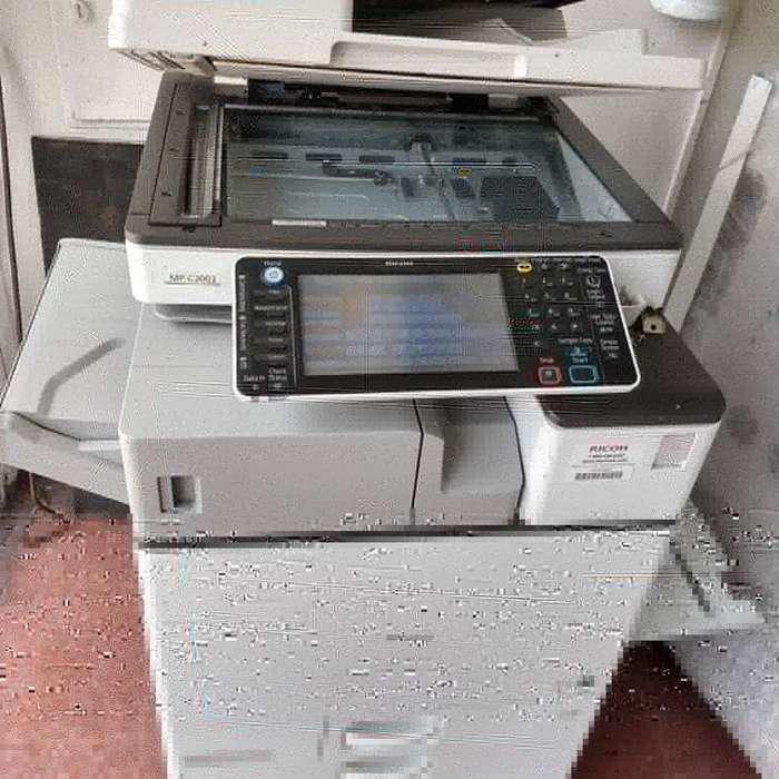 Fotocopiadora a Color Mpc 3003