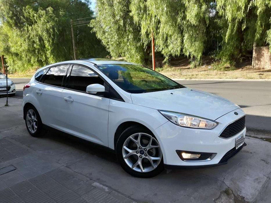 Ford Focus 2015 - 54000 km