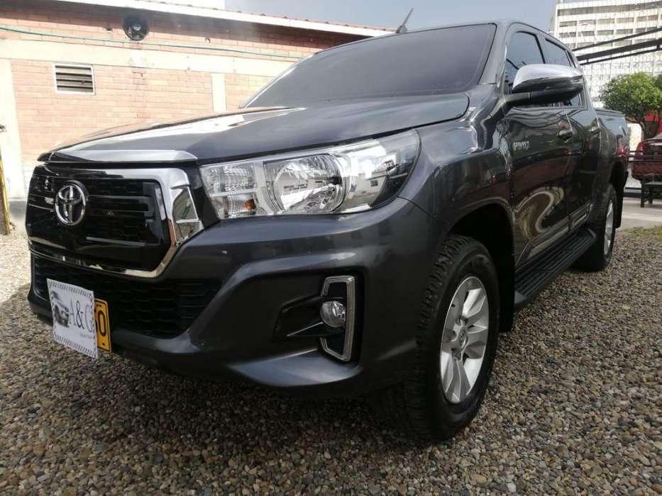 Toyota Hilux 2019 - 9932 km