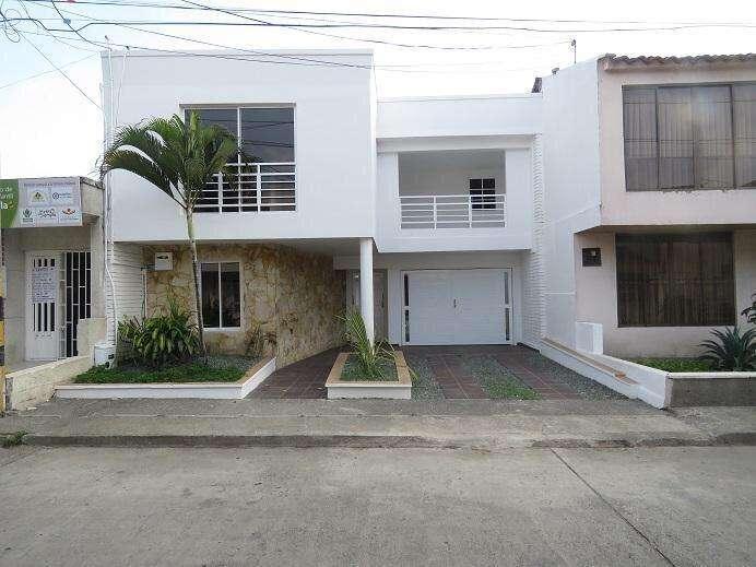 Hermosa casa remodelada para estrenar barrio Sajonia Tuluá, 450 m2.