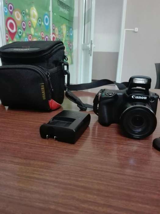 Camara Canon Semi Reflex