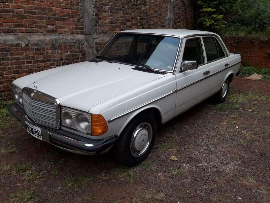 <strong>mercedes</strong>-Benz 230 1981 - 253700 km