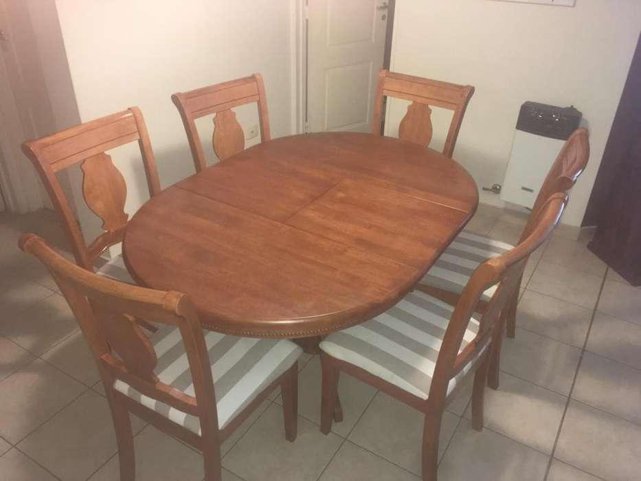 Juego de mesa y <strong>silla</strong>s de madera