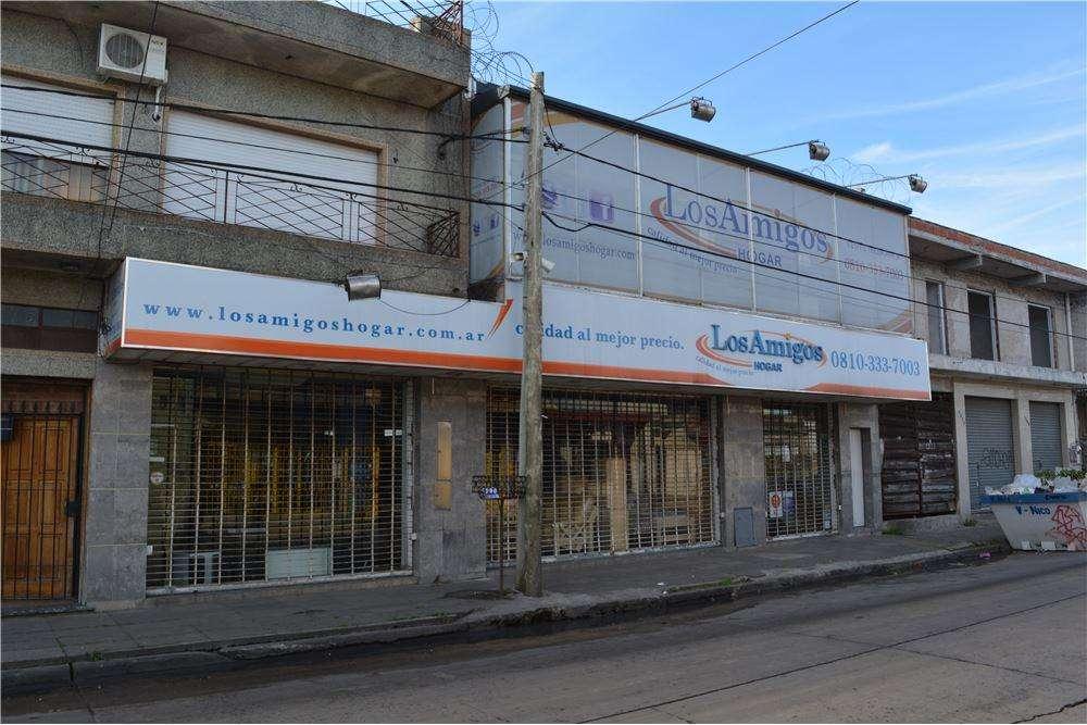 Local Comercial Grande en dos plantas