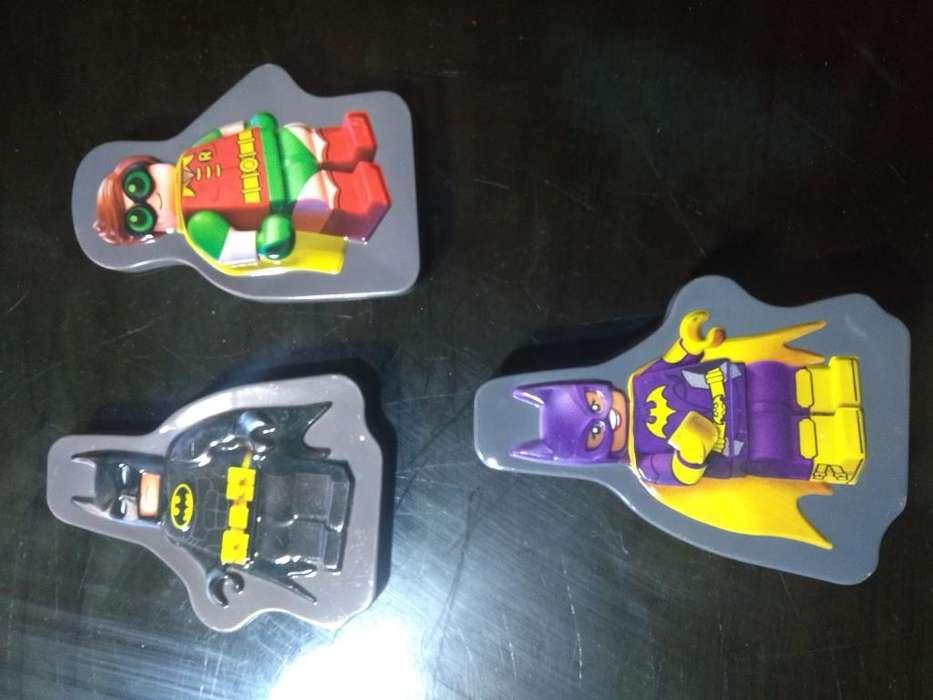 Tres Figuras de Lego Batman Lata