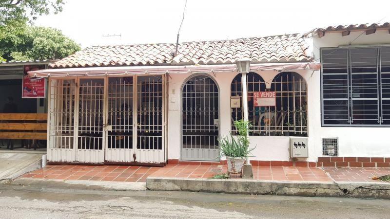 Casa En Venta En Cúcuta Prados Del Este Cod. VBVVP-133