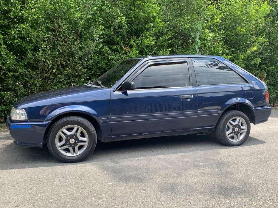 Mazda 323 1999 - 0 km