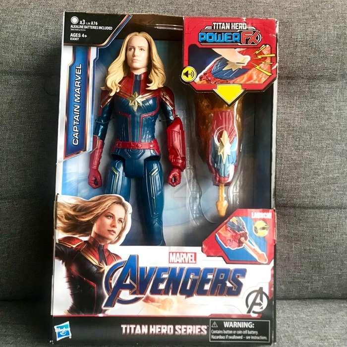 Vendo Muñeca de La Capitana Marvel Nueva