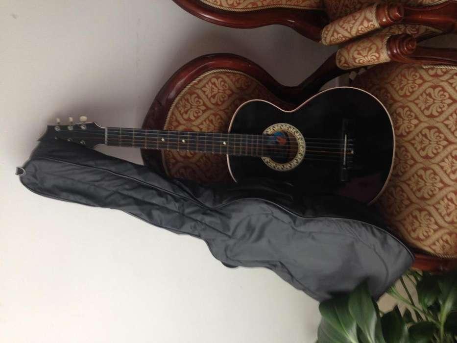 <strong>guitarra</strong> acústica para reparación