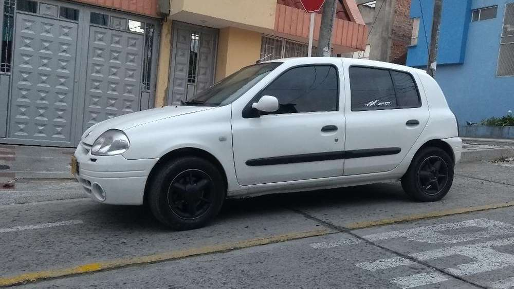 Renault Clio  2002 - 150 km
