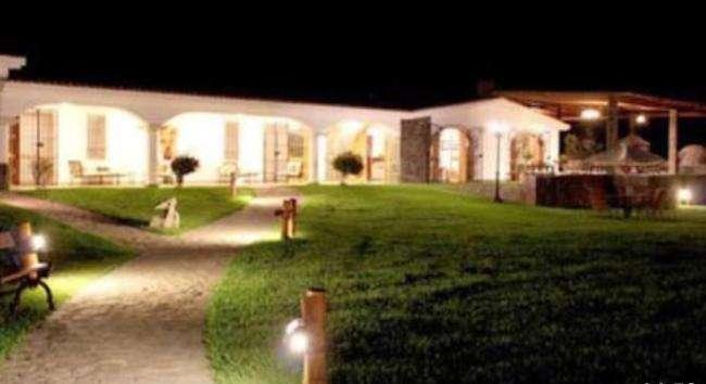 Vendo Local comercial en Cañete 22,000 m2 / 23 Dormitorios