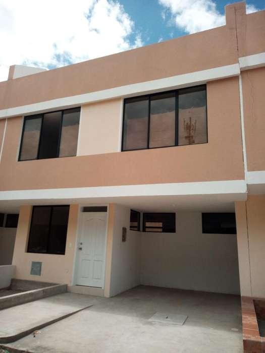Calderon, venta de Casa Amplia Credito Vip