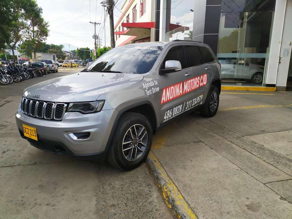 <strong>jeep</strong> GRAND CHEROKEE 2019 - 3275 km