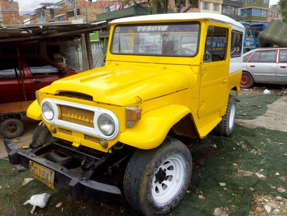 Toyota Land Cruiser 1966 - 10000 km