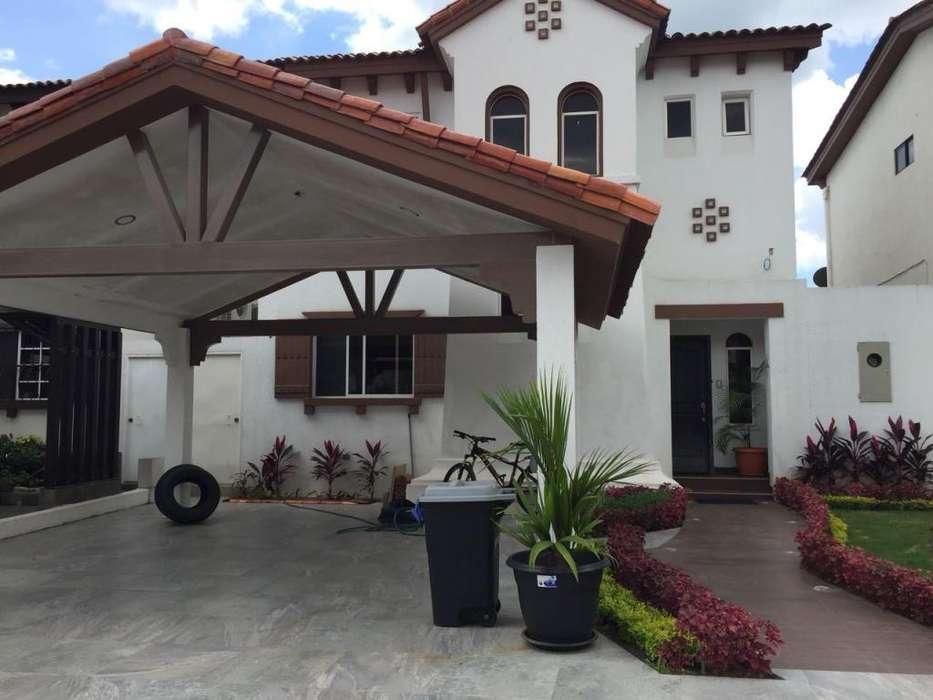 Alquilo Casa En Terranostra 3 Dormitorios Y 2 Suite