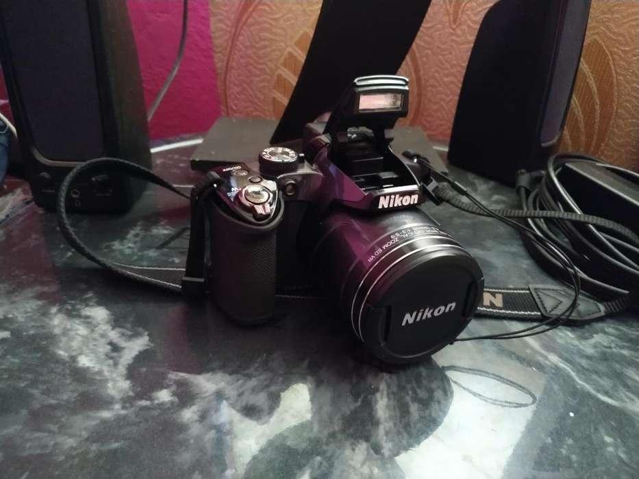 Camara Nikon Coolpix (seminueva)