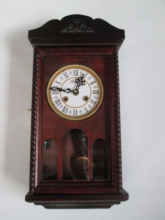 Reloj Péndulo De Pared En Madera Con Sonería