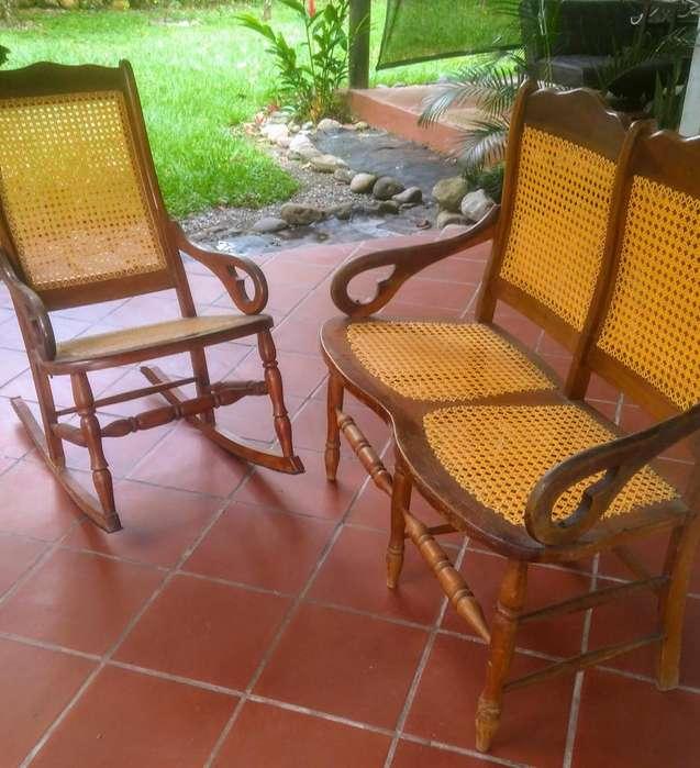 Silla vintage en mimbre y madera con sofa de dos puestos