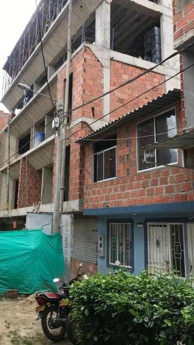 VENDO CASA LOTE COMERCIAL - 2 PISOS - OPORTUNIDAD- GRAN INVERSION PARA CONSTRUIR MAS PISOS - GANGA -URGEME