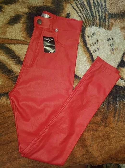 Pantalon Engomado Rojo Talle 36 Nuevo!!