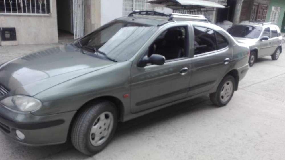 Renault Megane  2002 - 240310 km