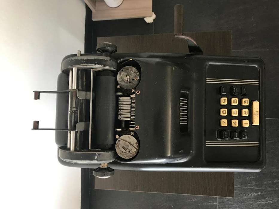 Maquina Sumadora Calculadora Retro 1925 Antigua Vintage Reliquia Underwood Sundstrand Corp.