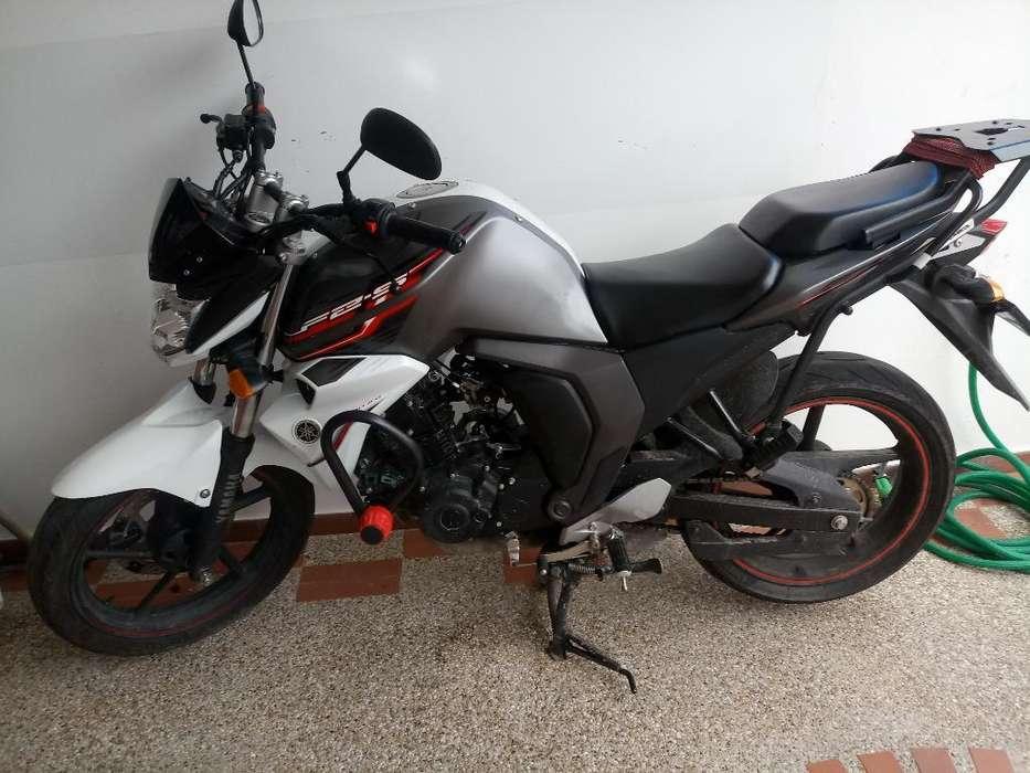 Vendo O Permuto Yamaha Fz.2.0