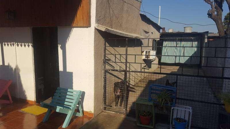 Venta casa en Villa Constitución 2 dormitorios, cochera doble, 2 galerias.