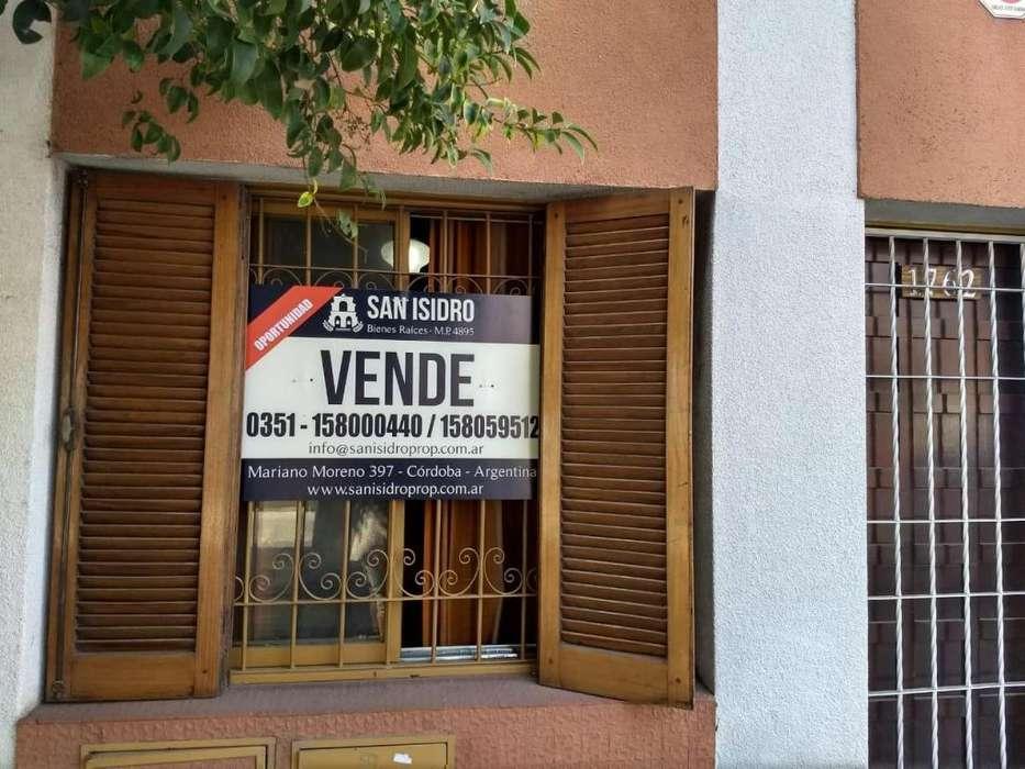 Excelente <strong>terreno</strong>, ubicado sobre calle Mariano Fragueiro 1.700, entre Jerónimo Cortéz y Ramírez de Arellano. U