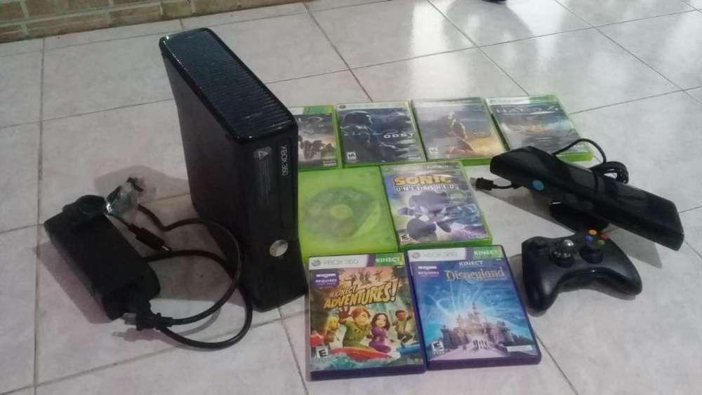 Motivo Viaje Vendo Xbox 360 con Kinect