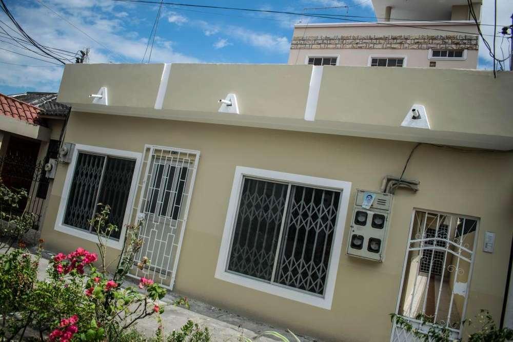 EDIFICIO MAS CASA (VILLA) - PROPIEDAD EN VENTA MACHALA, CDLA LAS BRISAS.