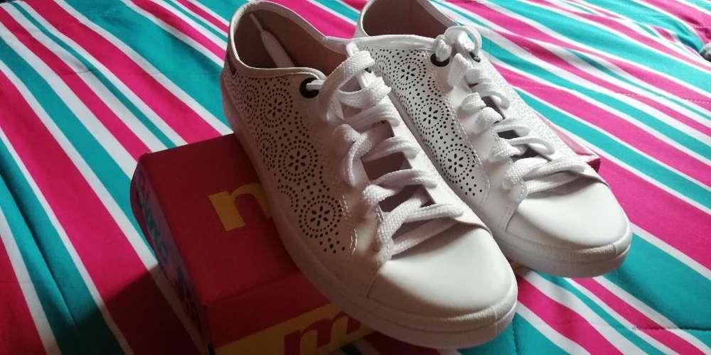 Zapatos Blancos Moleca