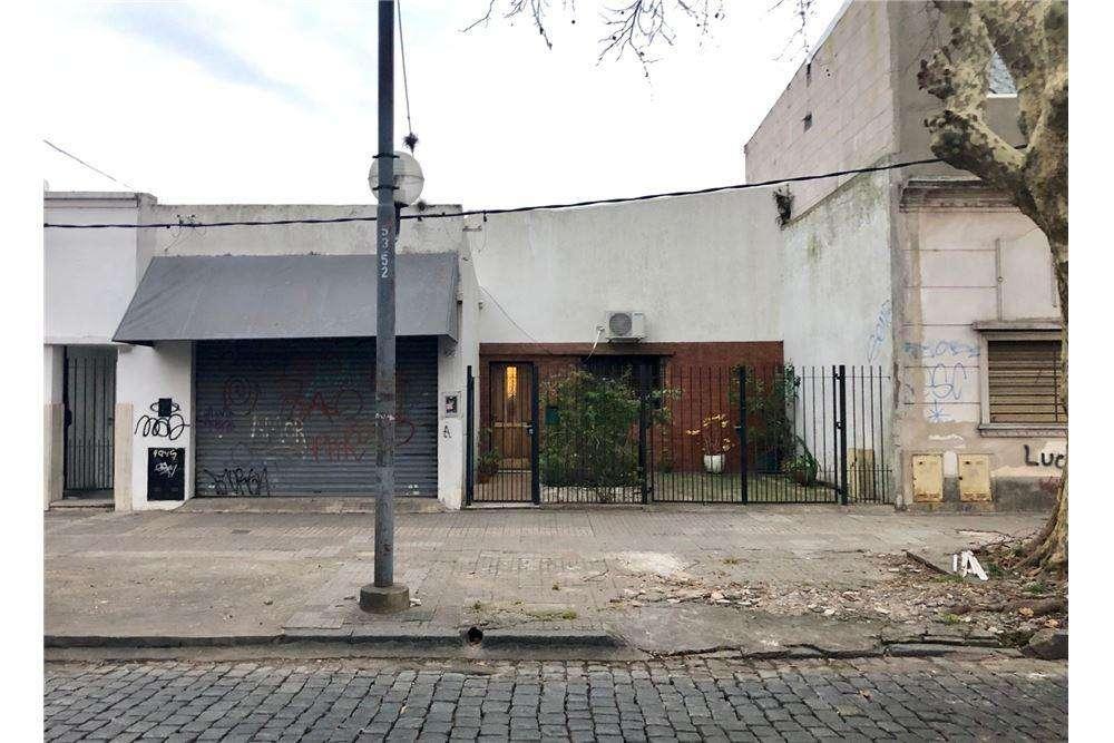 Casa en venta en La Plata (Ideal desarrollo)