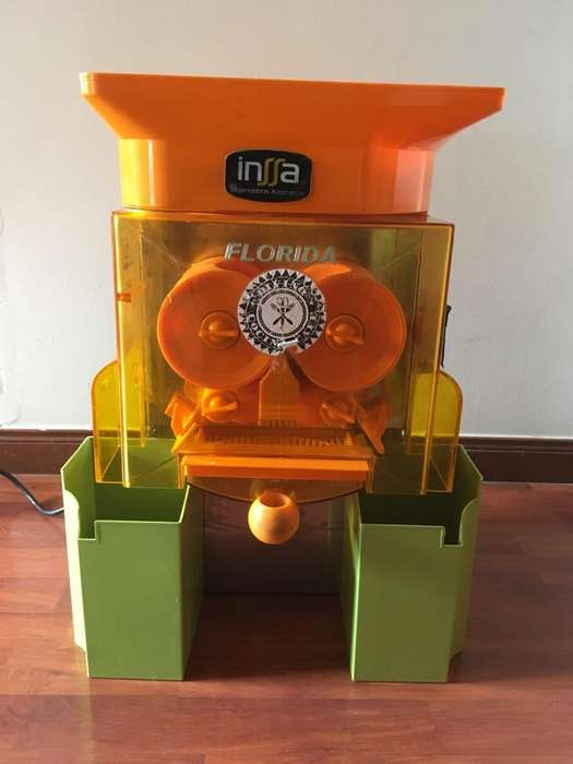 Exprimidor De Naranjas Industrial Usado Para Cafeterias. 8 meses de uso