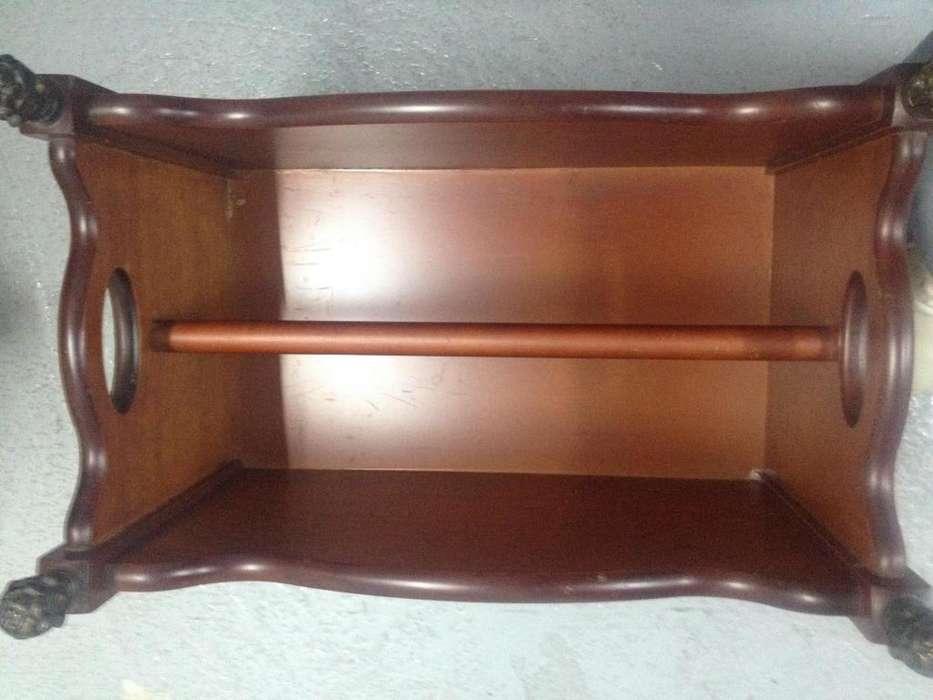 <strong>revistero</strong> madera maciza manijas bruñidas en metal y patas en terminacion metalica 43.5cm x 28cm ancho