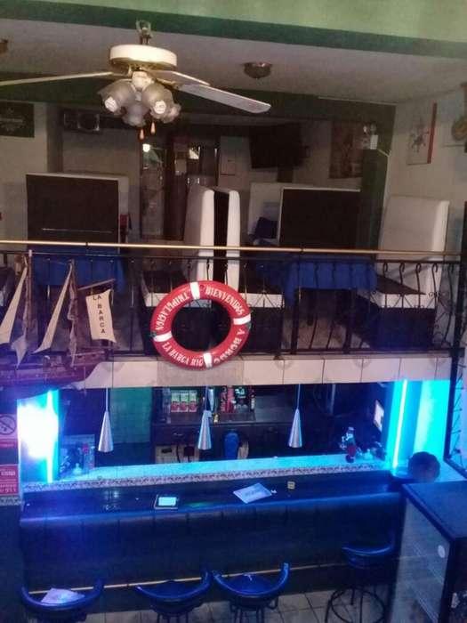 por Motivo de Viaje Vendo Bar Karaoke