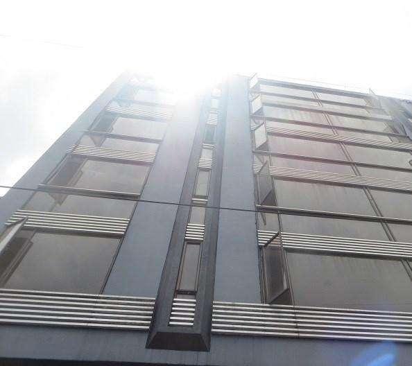 Edificio con Capacidad para 500 Empleados Aprox. 7 Niveles, completamente Restaurado 53844