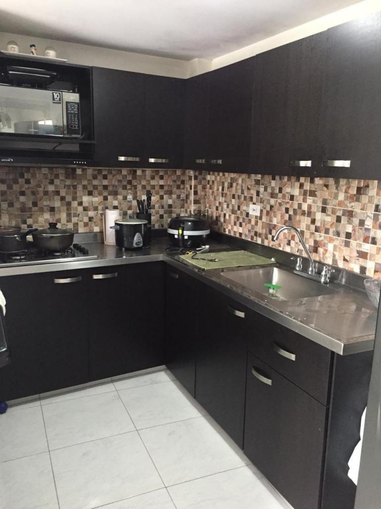 Apartamento Piso 4 Sector Uribe Angel. Código 877630