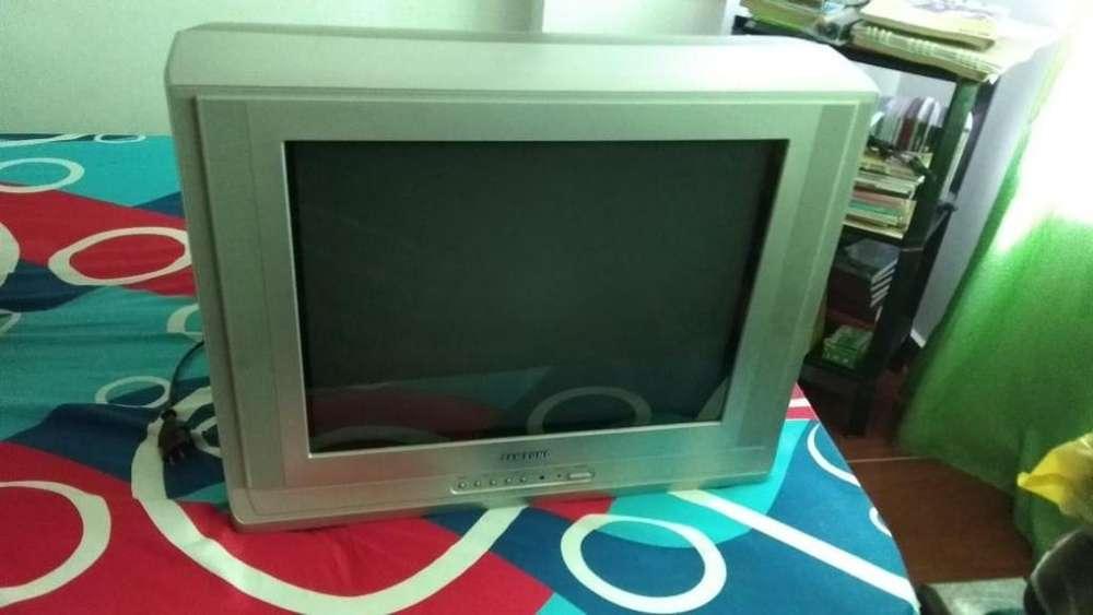 Tv Y Mesitas