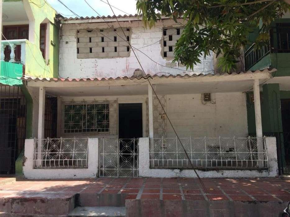 Local Comercial en Venta. Casa Comercial La Ciudadela. ACABADOS POR TERMINAR