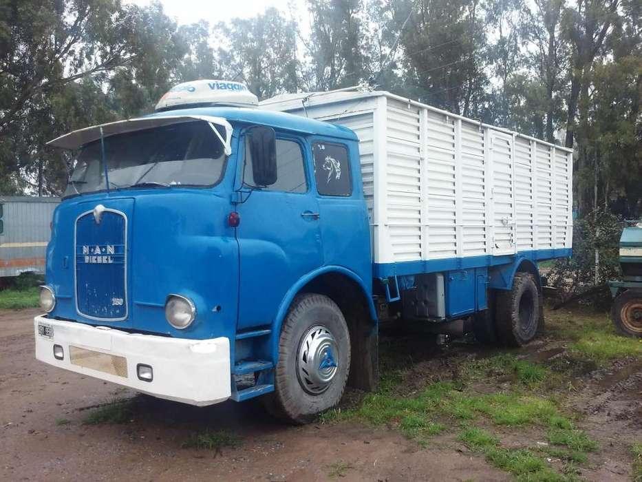 Vendo o permuto Camion Man con mecanica Mercedez 1518 en buen estado.