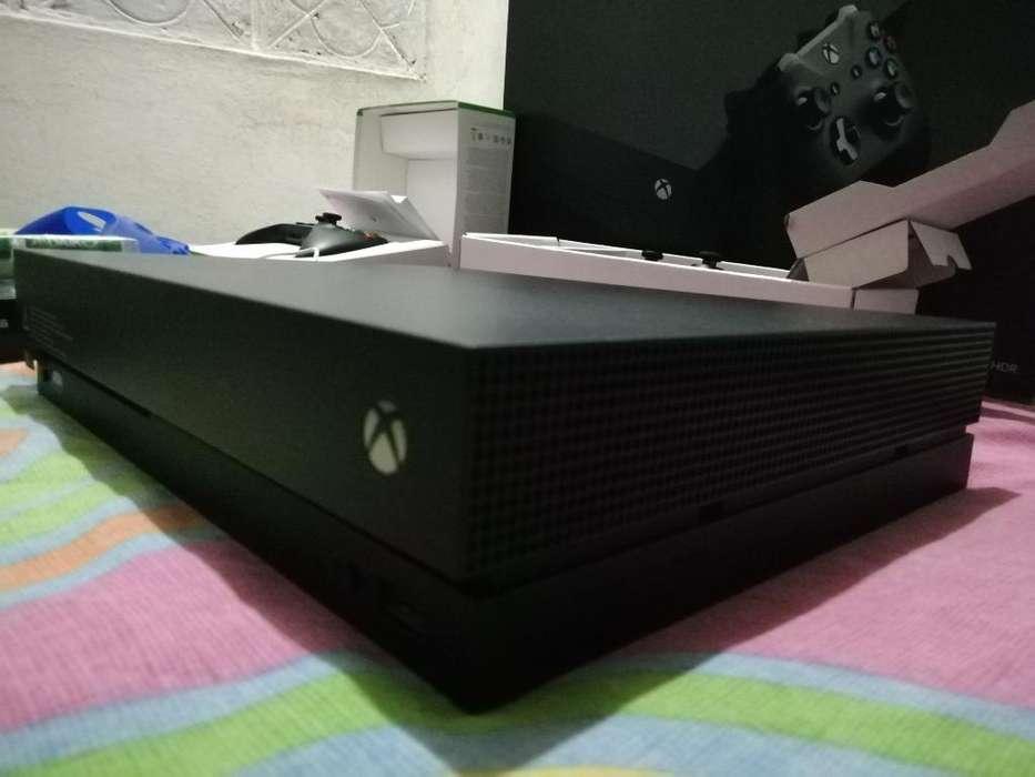 Xbox One X - 2 Controles 1'250.000